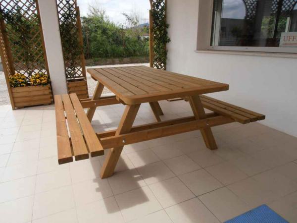 tavolo da cm 200 modello pic-nic con panche incorporate